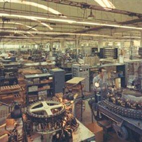 Splendorfabriek gloeilampen productie Nijmegen - productiehal
